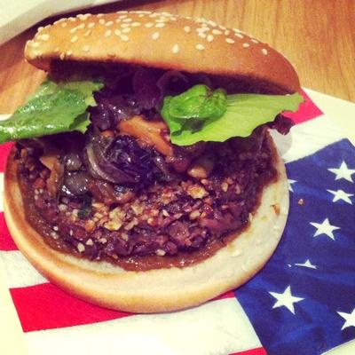 Burger la joue de boeuf et foie d 39 agneau la marocaine - Cuisiner le foie de boeuf ...