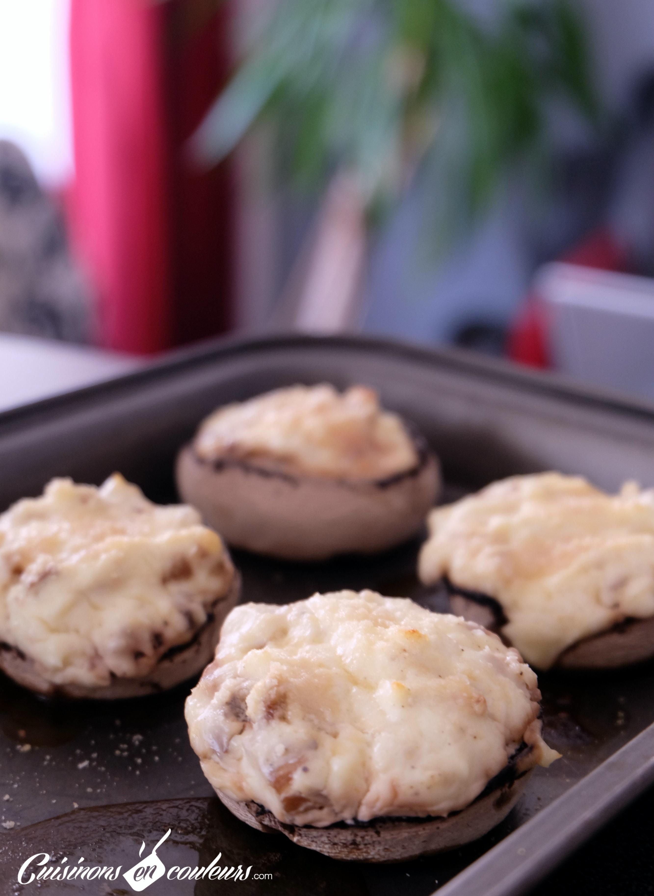 champignons de paris farcis au fromage cuisinons en couleurs. Black Bedroom Furniture Sets. Home Design Ideas