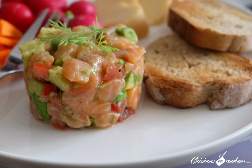 Tartare de saumon et avocat et tomates