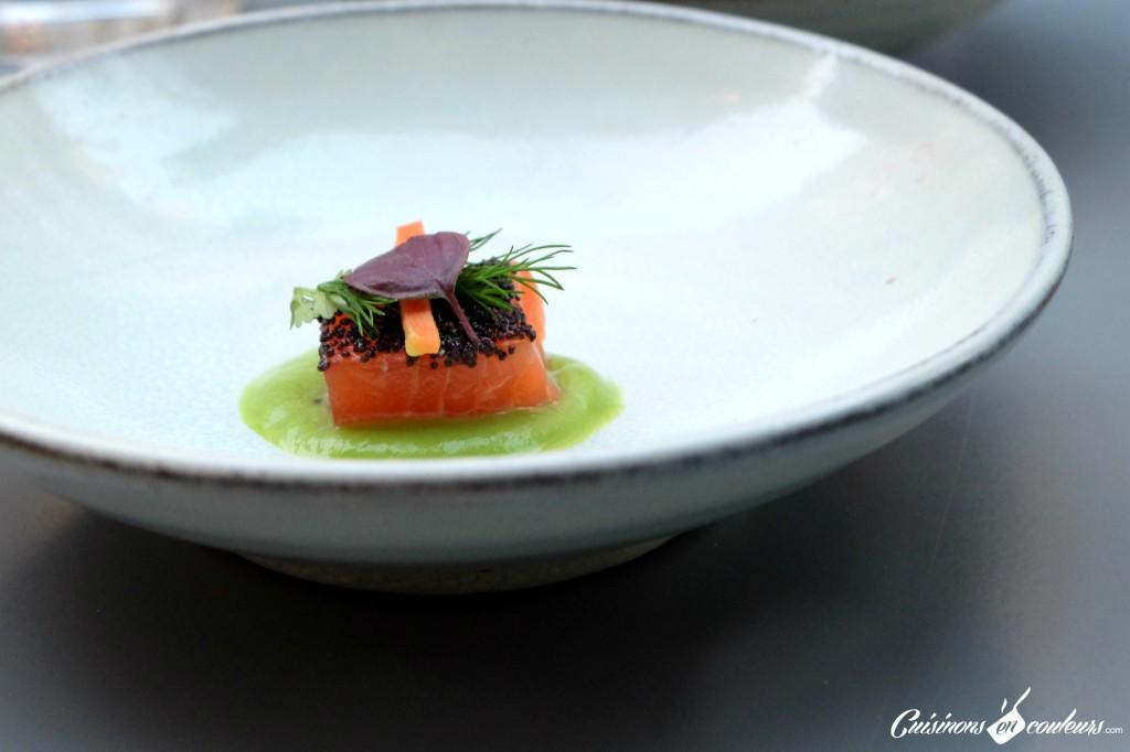 Amuse Bouche au saumon au Pas Sage - Paris
