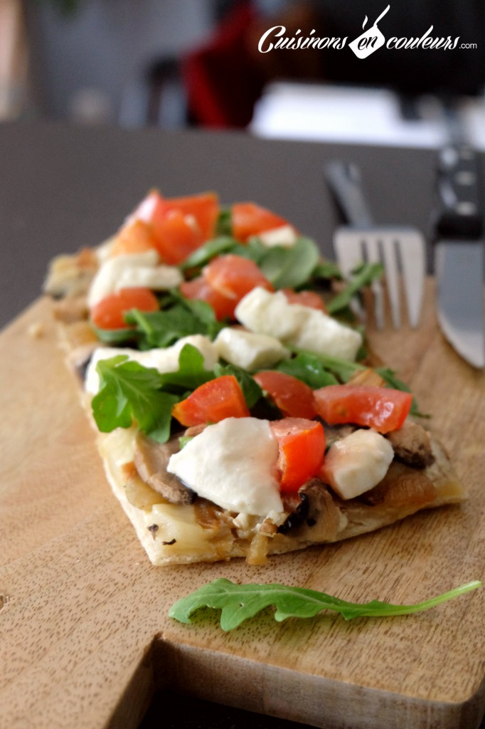 Pizza blanche aux oignons caramélisés