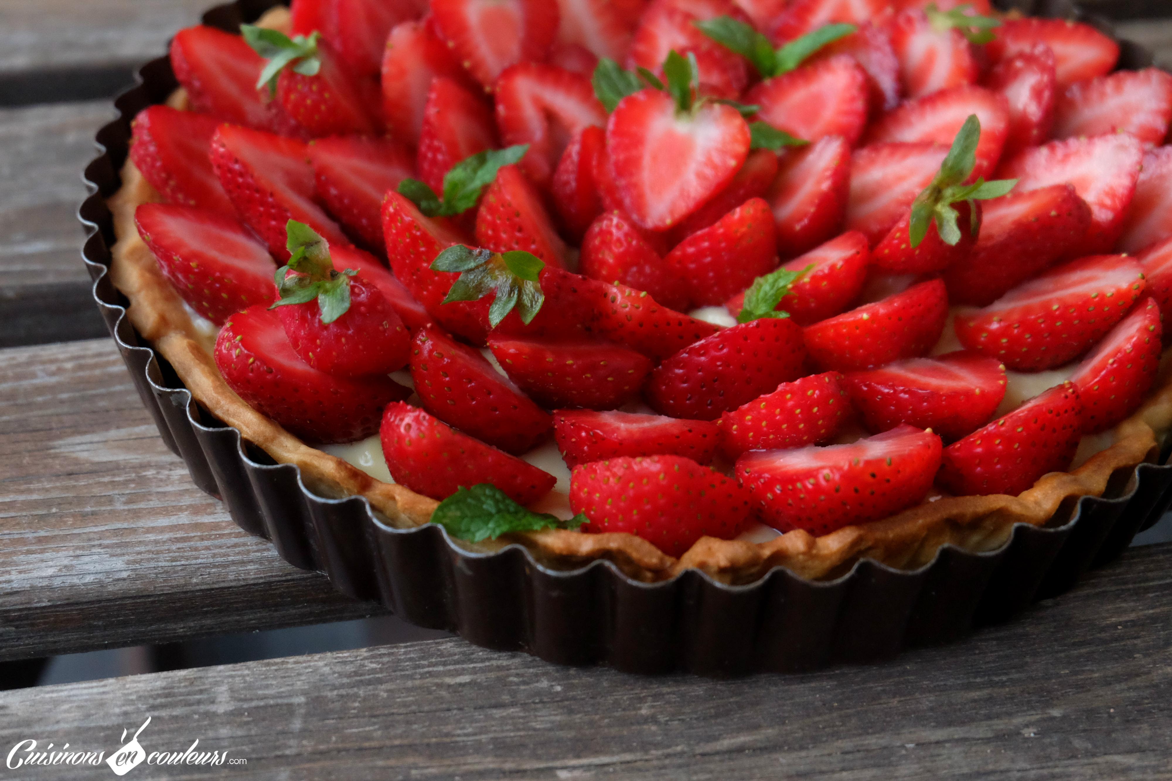 tarte aux fraises sur une cr me p tissi re la menthe. Black Bedroom Furniture Sets. Home Design Ideas