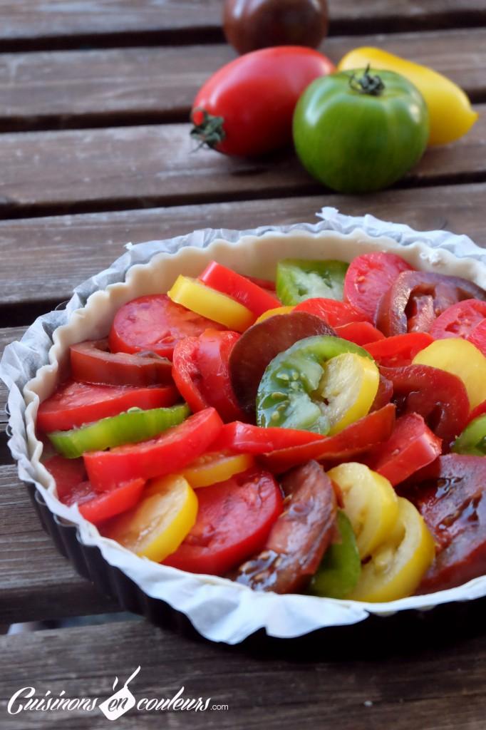 Tarte aux tomates anciennes et au thon