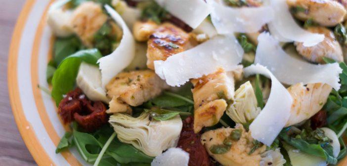 Salade de poulet mariné au citron vert et au miel
