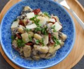 Gnocchi aux champignons, tomates séchées et basilic