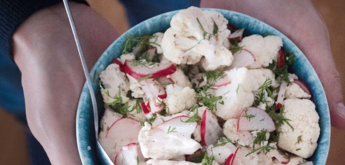 Salade de chou fleur et radis à l'aneth
