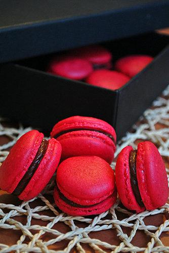macaron - Macarons Chocolat Noir/Cannelle : Encore une première