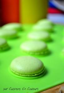 DSC_0647-205x300 - Macarons au citron jaune et citron vert : recette avec la meringue italienne
