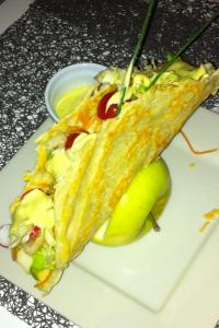 Tuile-de-gruy-C3-A8re-et-sa-salade-200x300 - Concours Cuisinons En Couleurs (fin)
