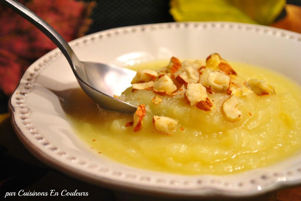 soupe-panais4-1-1024x685 - Soupe de panais aux pommes et aux noisettes