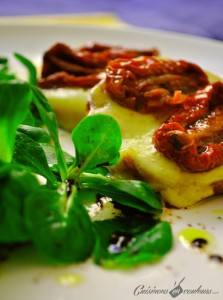 salade-tomate-sechees-223x300 - Salade de mâche, crostini à la tomme de Savoie et aux tomates séchées