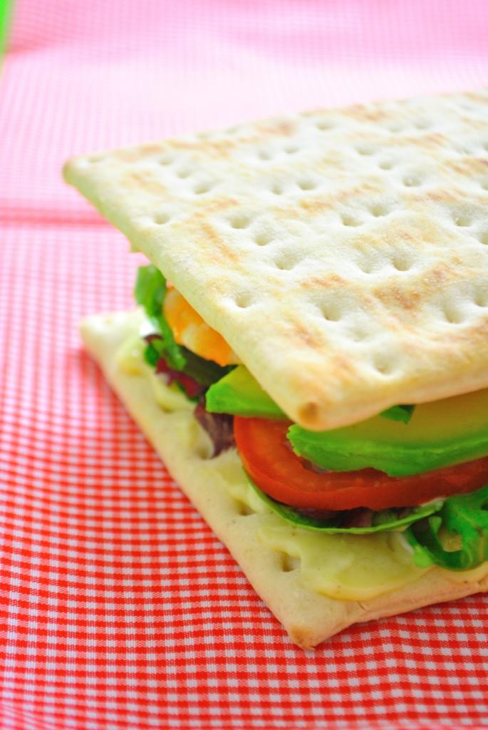 DSC_0360-685x1024 - Sandwich aux crevettes avec les pains suédois reçus dans la box Gastronomiz!