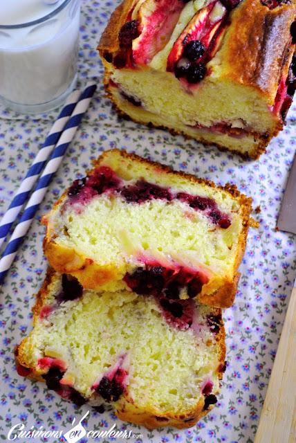 cake-aux-pommes-1 - 12 idées de recettes avec des pommes