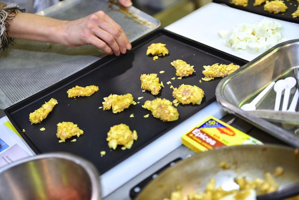 DSC_1033 - Aiguillettes de poulet panées aux chips et sauce tomatée pour un atelier MAGGI-QUE!