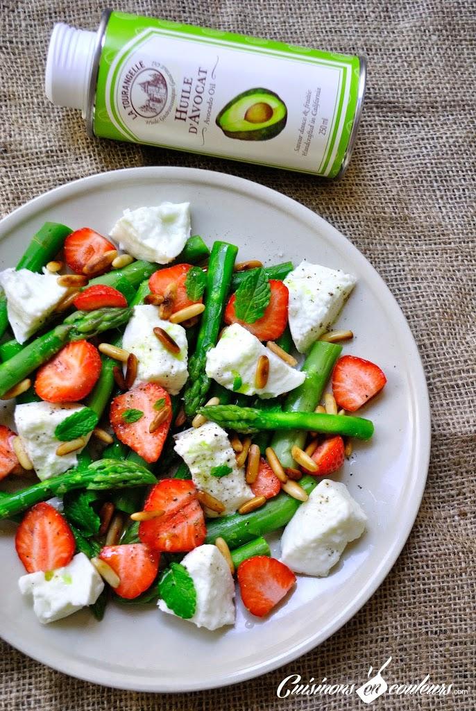 asperges-fraises - Salade vitaminée d'asperges vertes, fraises, mozzarella et pignons de pin
