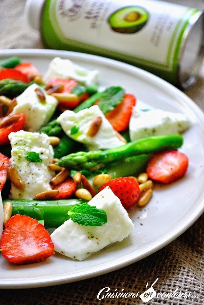 salade-asperges-fraises - Salade vitaminée d'asperges vertes, fraises, mozzarella et pignons de pin