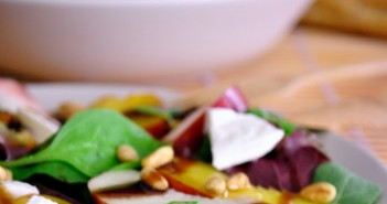 salade-nectarines-mozzarella-351x185 - Cuisinons En Couleurs