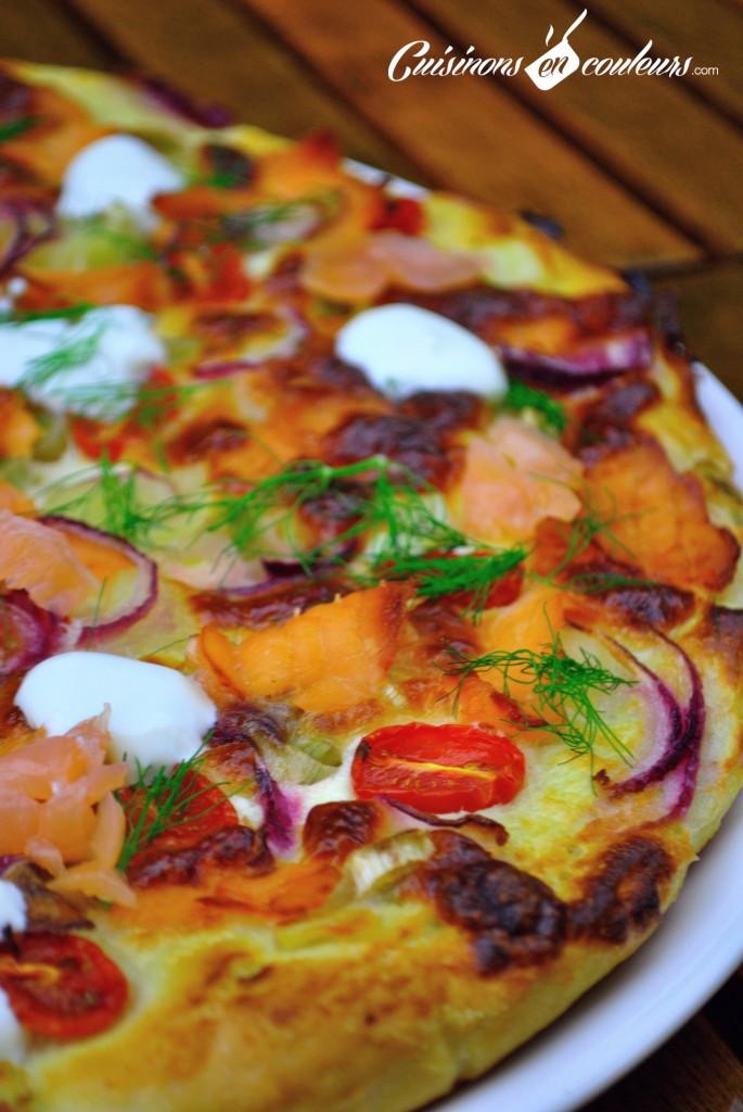 pizza-au-saumon-1-685x1024 - Pizza colorée au saumon fumé, poireaux et tomates cerises