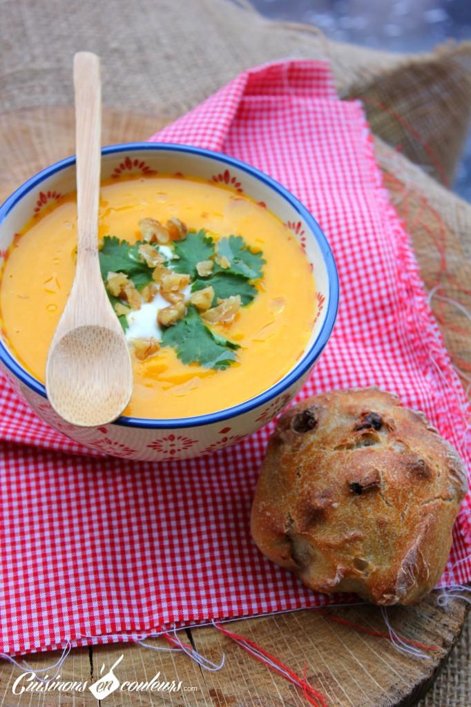 soupe-potiron-noix-682x1024 - Velouté de potiron aux noix et à la coriandre