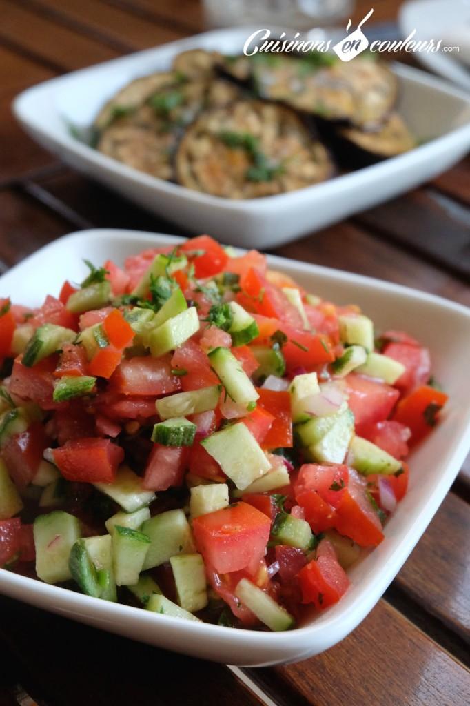 Salade-de-tomate-et-concombre-682x1024 - Top 15 des salades marocaines
