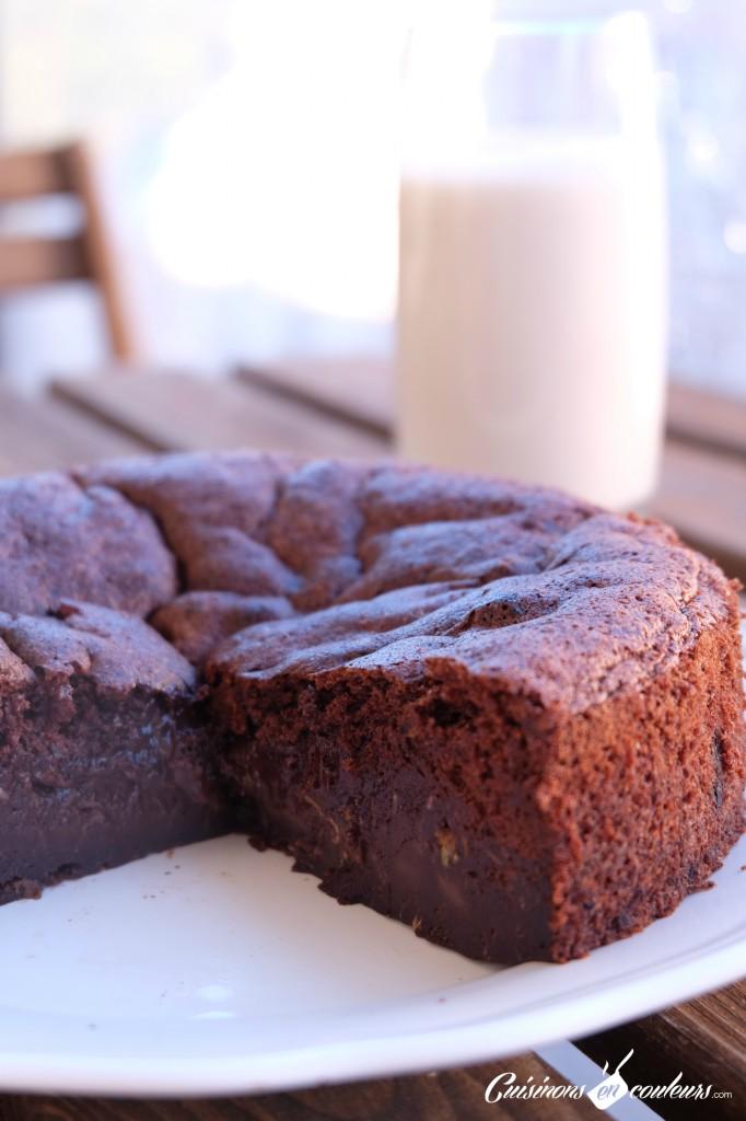 gateau-choco-sans-beurre-682x1024 - Gâteau au chocolat à tomber sans beurre et sans sucre !