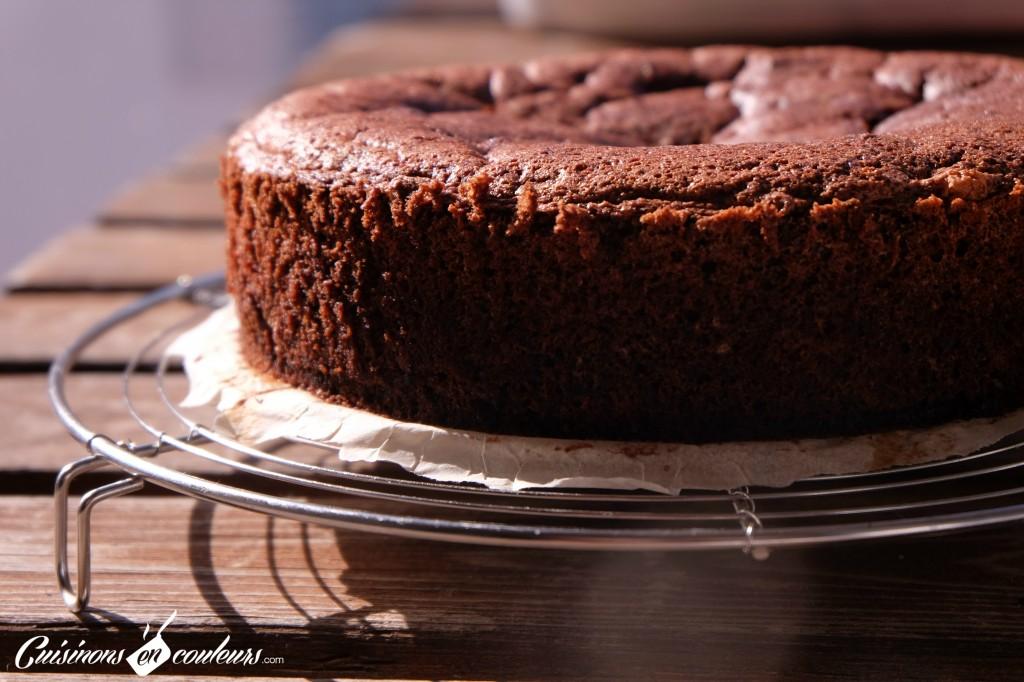 gateau-sans-sucre-au-chocolat-1024x682 - Gâteau au chocolat à tomber sans beurre et sans sucre !
