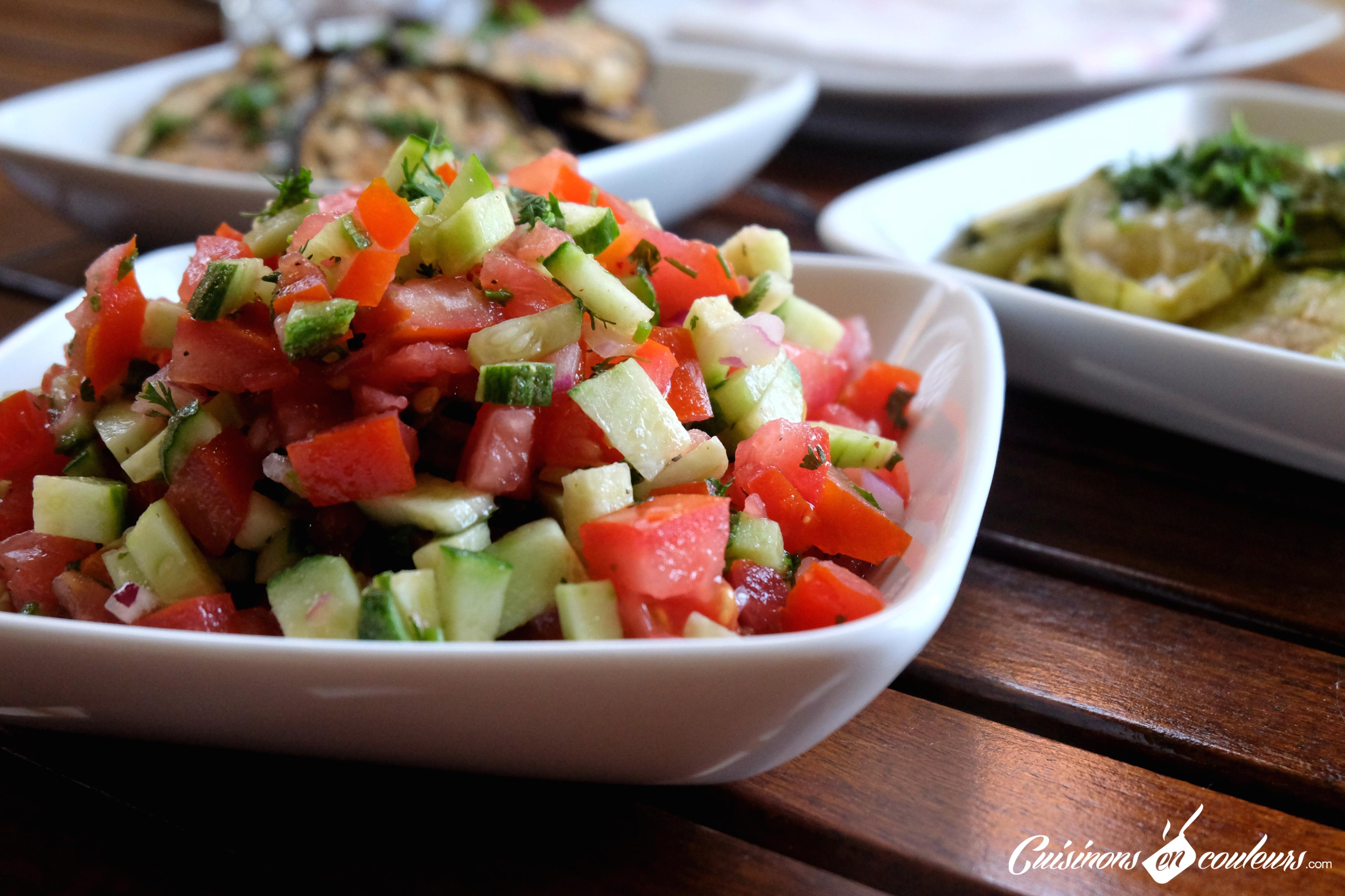 chlada salade de tomates et concombre la marocaine cuisinons en couleurs. Black Bedroom Furniture Sets. Home Design Ideas