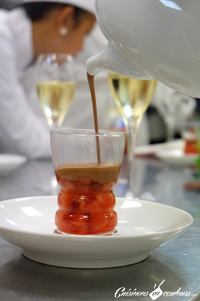 gelée-de-pêches-sauce-au-chocolat-682x1024 - A la découverte des desserts du 16 Haussmann