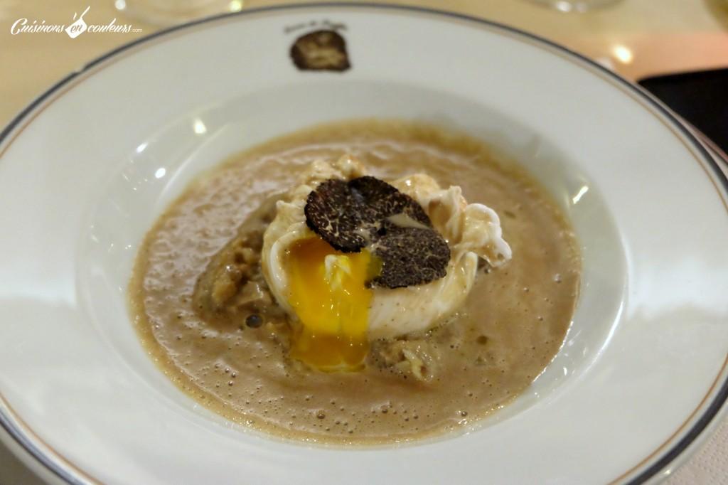 """Oeuf-poche-a-la-truffe-1024x682 - Terres de Truffes : un restaurant autour du """"diamant noir"""" !"""