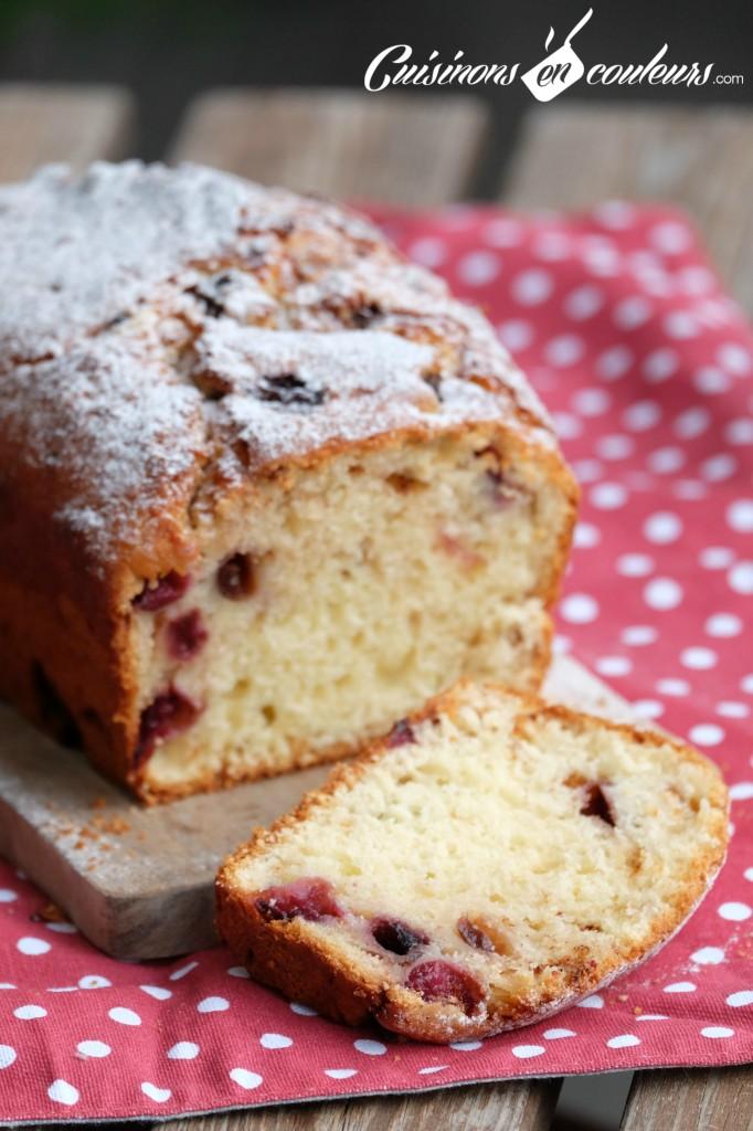 Cake-avec-des-cerises-682x1024 - Cake aux cerises