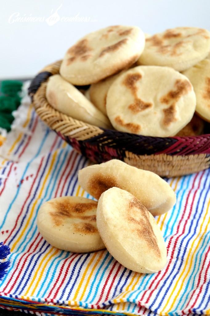 batbout-fait-maison-682x1024 - Mini Batbout : Pain traditionnel marocain cuit à la poêle
