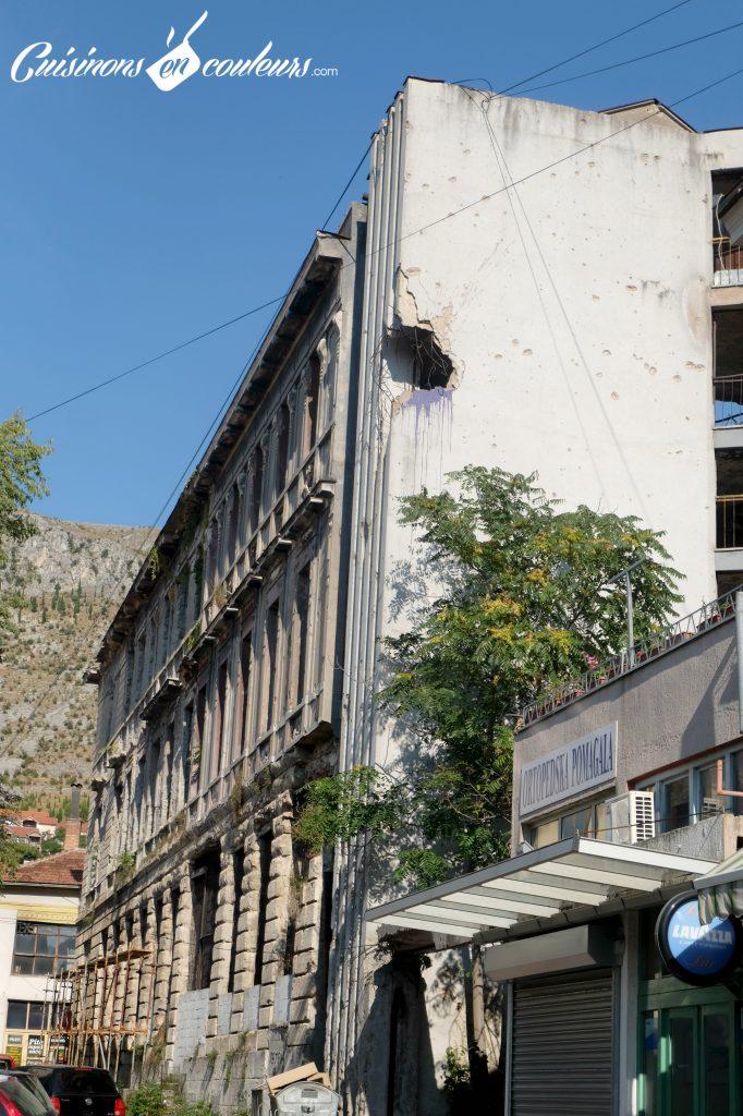 Impact-de-balle-en-bosnie-682x1024 - Deux semaines entre la Croatie, la Bosnie-Herzégovine et le Monténégro