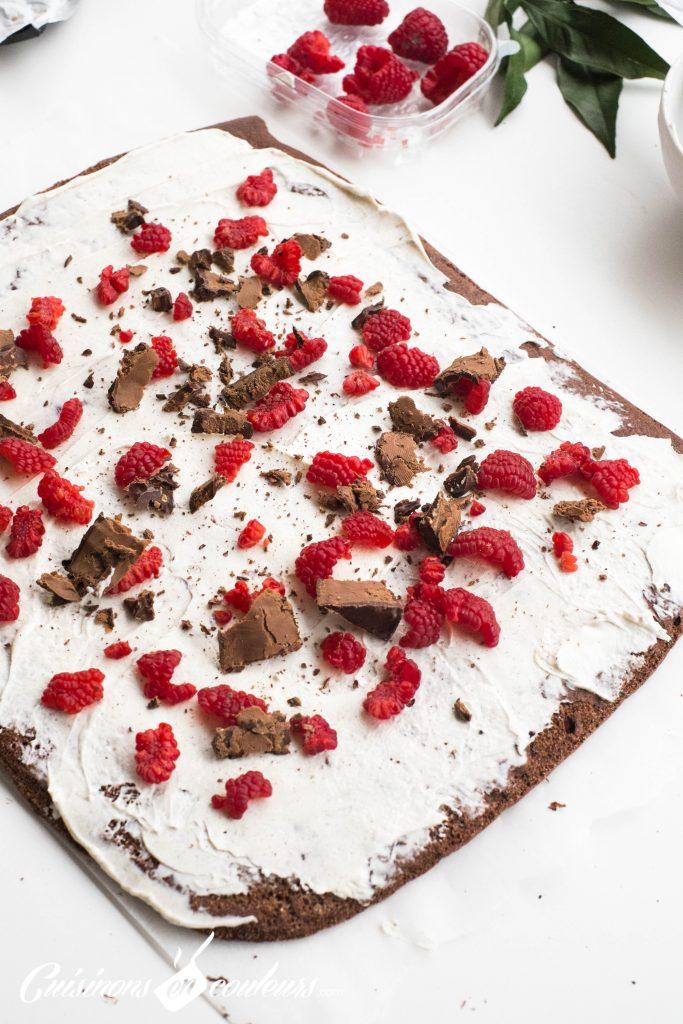 buche-au-chocolat-6-683x1024 - Bûche au chocolat et aux framboises