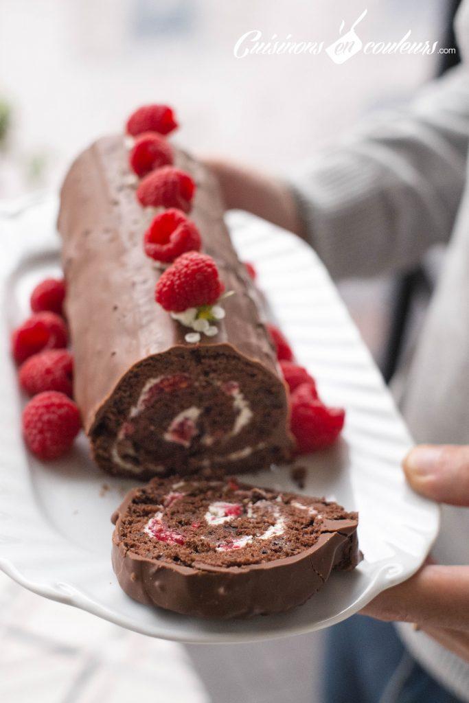 buche-au-chocolat-9-683x1024 - Bûche au chocolat et aux framboises