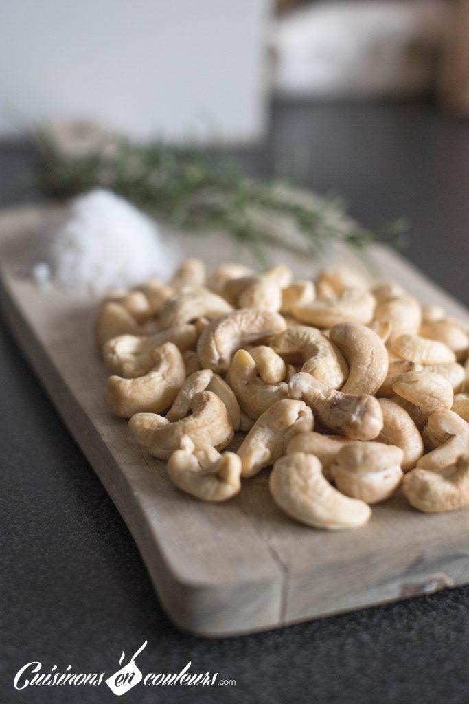 Noix-de-cajou-5-683x1024 - Noix de cajou grillées au sel et au romarin