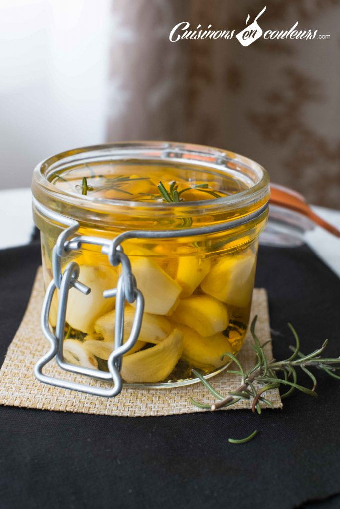 conserve-d-ail-6-683x1024 - Ail mariné à l'huile d'olive et au romarin
