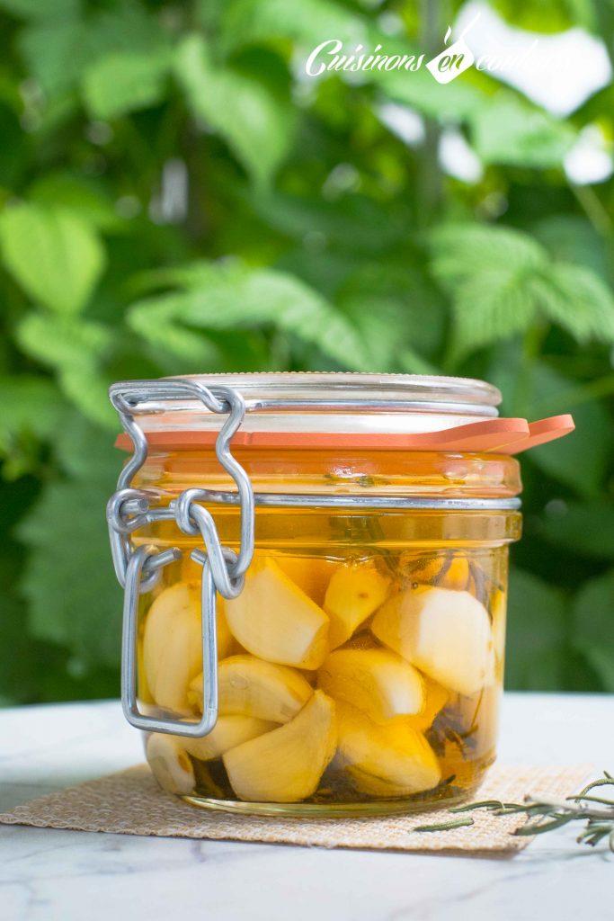 conserve-d-ail-9-683x1024 - Ail mariné à l'huile d'olive et au romarin