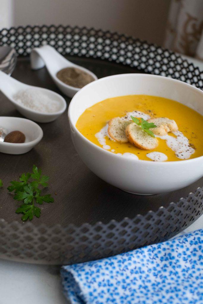1-Veloute-de-carottes-et-lentilles-683x1024 - Velouté de carottes et lentilles corail à la noix de coco