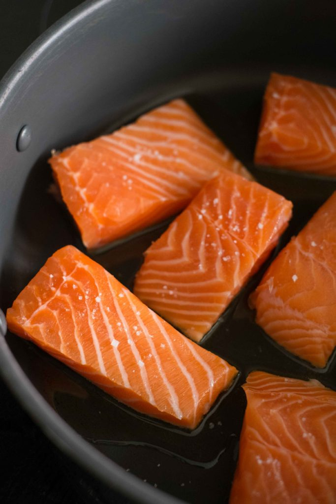Saumon-aux-tomates-sechees-2-683x1024 - Filets de saumon à la crème et aux épinards