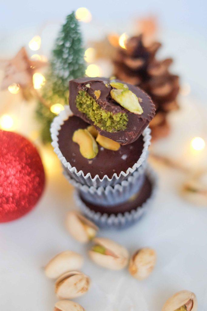bouchees-choco-pistaches-14-683x1024 - Bouchées au chocolat à la pistache