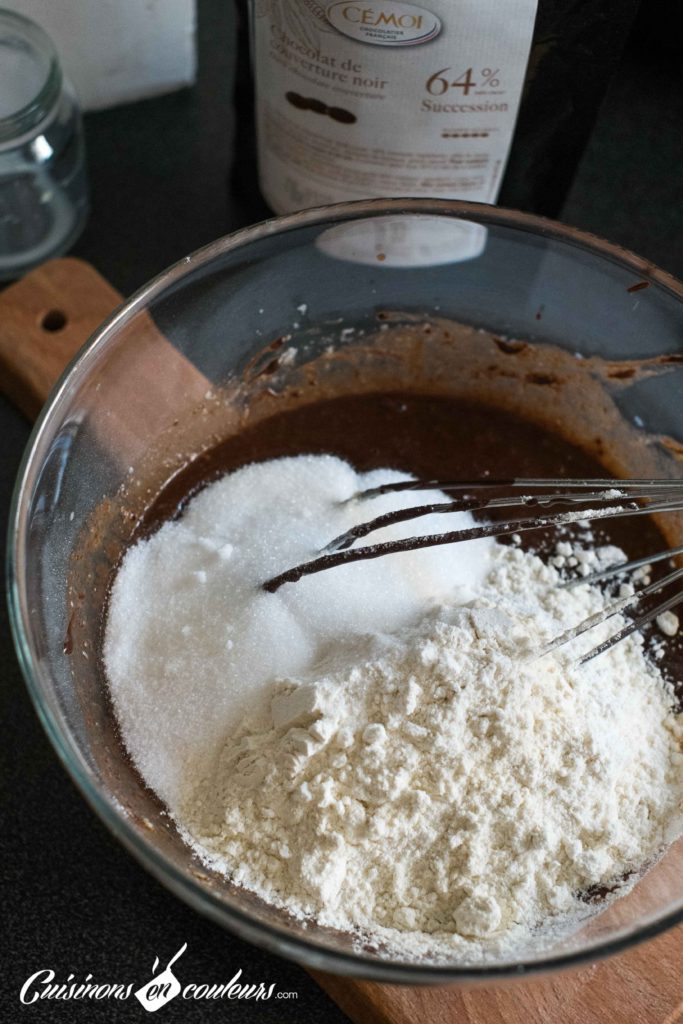 Cake-surprise-paques-7-683x1024 - Cake Vanille Chocolat surprise pour Pâques