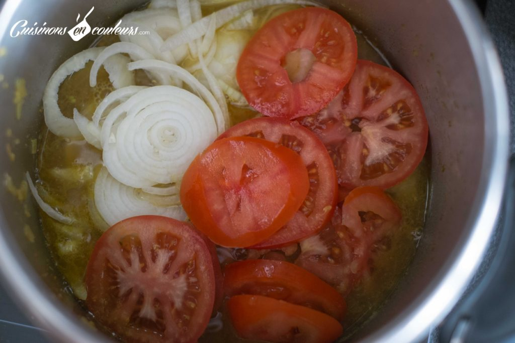 Tajine-de-veau-aux-tomates-et-aux-oignons-3-1024x683 - Tajine de veau aux oignons et aux tomates