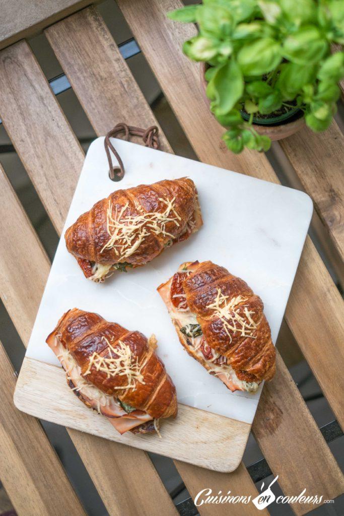 Croissants-aux-tomates-sechees-et-a-la-dinde-fumee-6-683x1024 - Croissants farcis à l'italienne