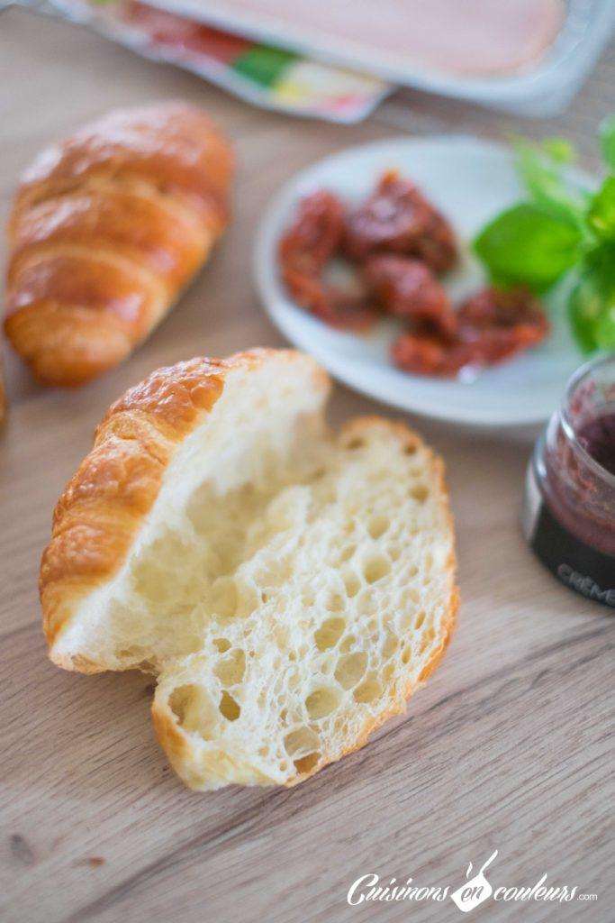 Croissants-aux-tomates-sechees-et-a-la-dinde-fumee-683x1024 - Croissants farcis à l'italienne