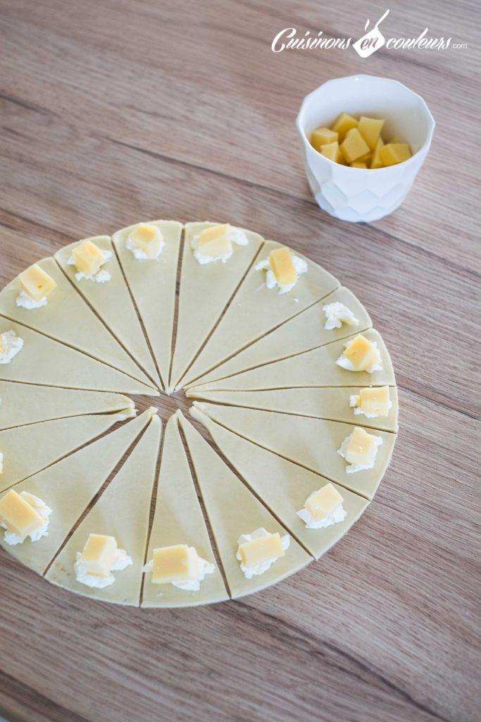 Mini-croissant-fromage-2-683x1024 - Mini croissants aux fromages