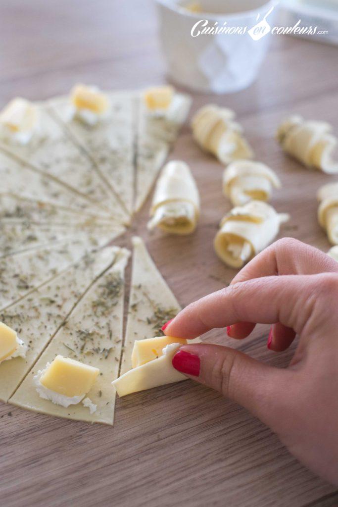 Mini-croissant-fromage-4-683x1024 - Mini croissants aux fromages