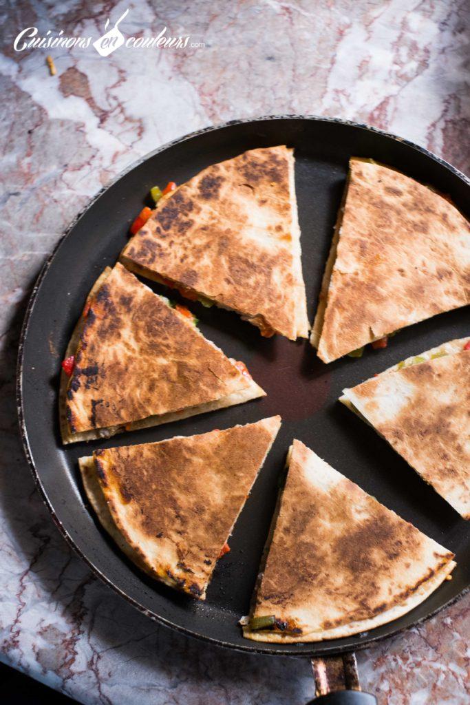 quesadillas-7-683x1024 - Quesadillas à la viande hachée et aux poivrons