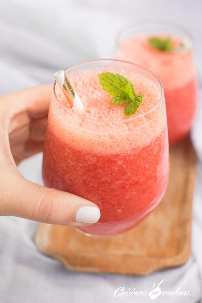 jus-de-fraises-11-683x1024 - Jus de fraises, orange et citrons verts