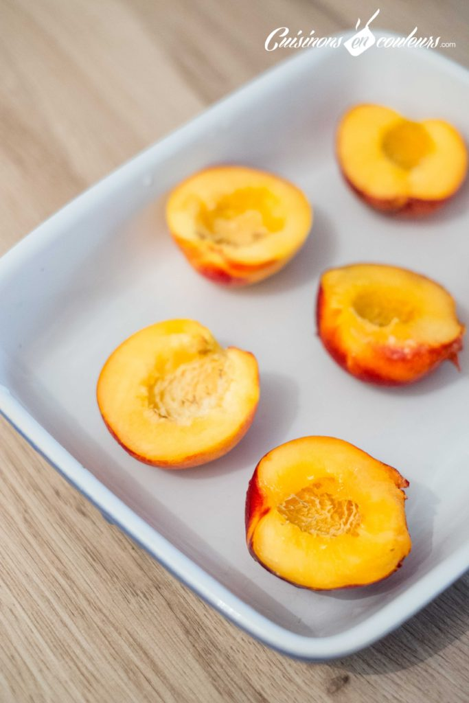 Nectarines-roties-683x1024 - Nectarines rôties avec un coeur de glace à la vanille