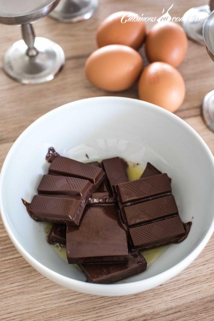 Mousse-au-chocolat-2-683x1024 - Mousse au chocolat : la version simple et rapide à préparer
